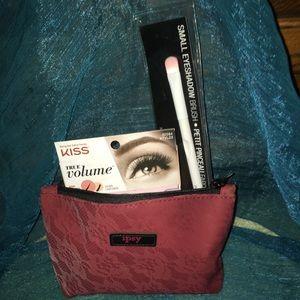 Other - 🛑Price⬇️Makeup Bag and Makeup Up